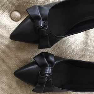 Marc Fisher Bow Pumps!